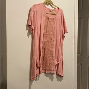 LOGO pink shirt with pleated and lace pockets